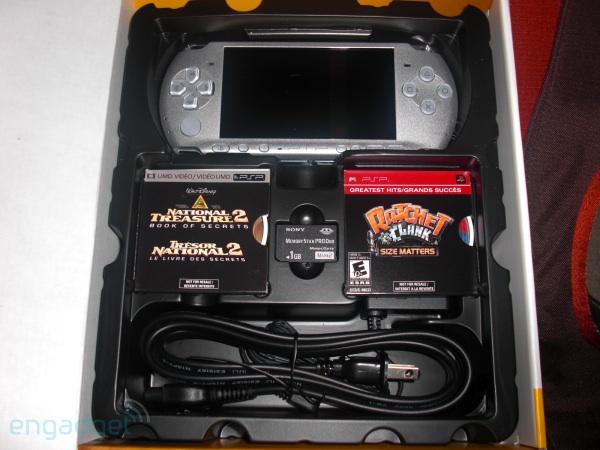 Foto der PSP-3000-Packung von Engadget